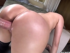 PAWG Vanessa Cage knows how to ride the dick (pwg13995)